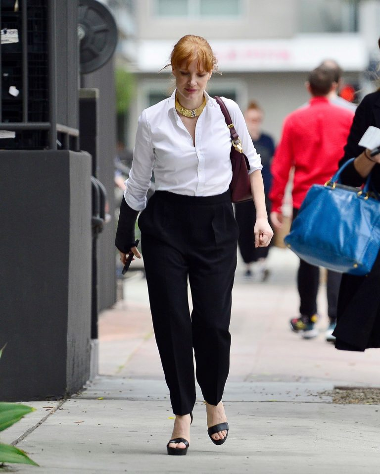 Jessica Chastain in White Shirt and Black Trousers leaves Meeting at a cafe in Los Angeles 2019/06/20 1