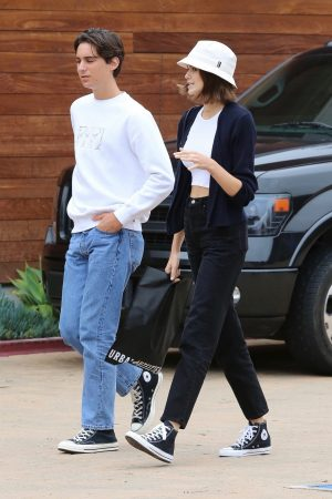 Kaia Gerber with Friends Out and about in Malibu 2019/06/17 1