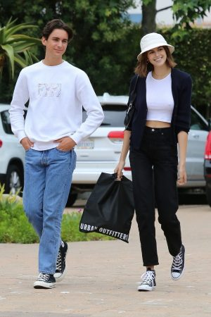 Kaia Gerber with Friends Out and about in Malibu 2019/06/17 2