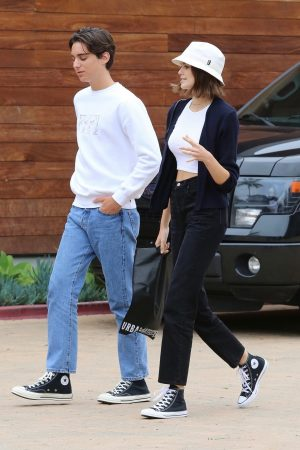 Kaia Gerber with Friends Out and about in Malibu 2019/06/17 3