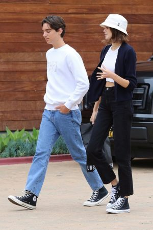 Kaia Gerber with Friends Out and about in Malibu 2019/06/17 7
