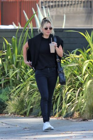 Kaley Cuoco in Black T-shirt and jeans with her sister Out in Los Angeles 2019/06/18 2