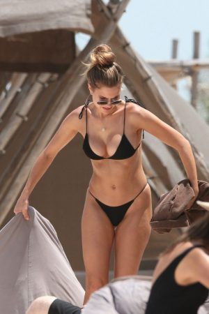 Kara Del Toro in Bikini Candids at a Beach in Tulum 2019/06/20 8
