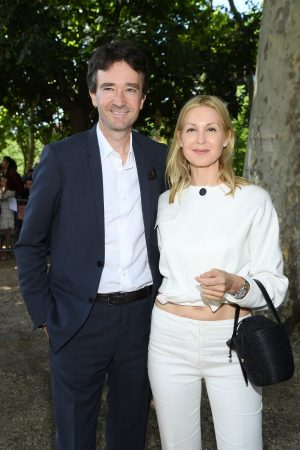 Kelly Rutherford arrives Berluti Menswear Spring Summer 2020 Show in Paris 2019/06/21 7
