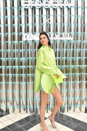 Kendall Jenner attends #PaintPositivity #BecauseWordsMatter in Williamsburg 2019/06/20 8