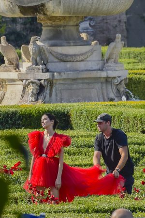 Kendall Jenner in Red Dress Outside Photoshoot in Rome 2019/06/04 3