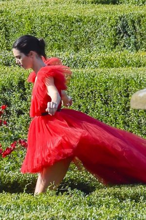 Kendall Jenner in Red Dress Outside Photoshoot in Rome 2019/06/04 5