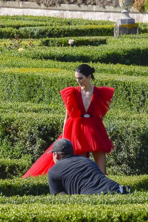 Kendall Jenner in Red Dress Outside Photoshoot in Rome 2019/06/04 6