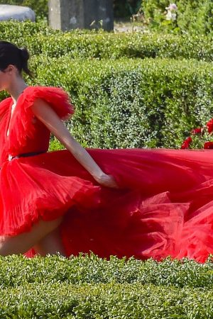 Kendall Jenner in Red Dress Outside Photoshoot in Rome 2019/06/04 7