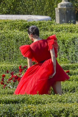 Kendall Jenner in Red Dress Outside Photoshoot in Rome 2019/06/04 10