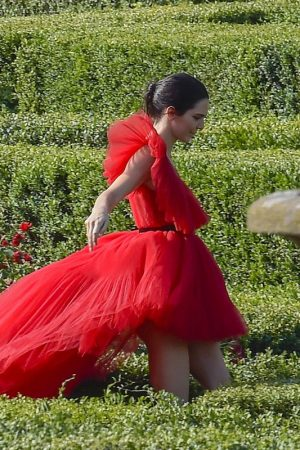 Kendall Jenner in Red Dress Outside Photoshoot in Rome 2019/06/04 11