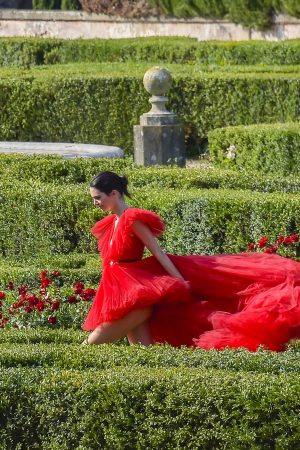 Kendall Jenner in Red Dress Outside Photoshoot in Rome 2019/06/04 14