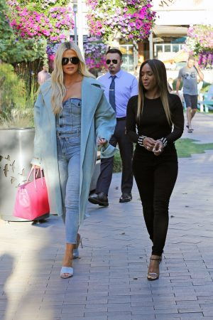 Khloe Kardashian and Malika Haqq Out for a studio in Los Angeles 2019/06/19 1
