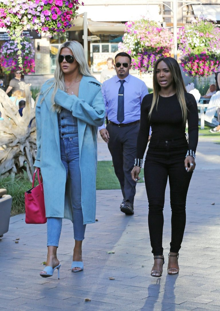 Khloe Kardashian and Malika Haqq Out for a studio in Los Angeles 2019/06/19 9