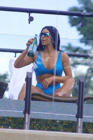 Kim Kardashian in Bikini with her family in Costa Rica 2019/06/21 7