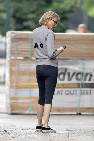 Naomi Watts in Sweatshirt and Tights Out in New York 2019/06/18 5