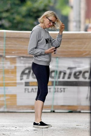 Naomi Watts in Sweatshirt and Tights Out in New York 2019/06/18 6
