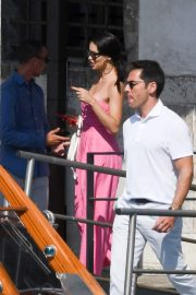 Adriana Lima in Off Shoulder Pink Dress Out in Venice, Italy 2019/07/07 2