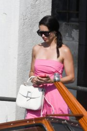 Adriana Lima in Off Shoulder Pink Dress Out in Venice, Italy 2019/07/07 8