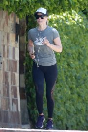 Ali Larter in Grey T-Shirt  and Tights going for a long run in Los Angeles 2019/07/02 1