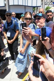 Alycia Debnam-Carey arrives at San Diego Comic Con 2019/07/19 2