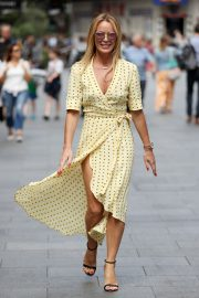 Amanda Holden flashes her legs in high split yellow polka dot dress Out in London 2019/07/08 3