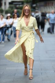Amanda Holden flashes her legs in high split yellow polka dot dress Out in London 2019/07/08 8