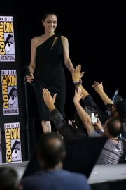 Angelina Jolie arrives for the Marvel panel in Hall H of the Convention Center in San Diego 2019/07/20 1