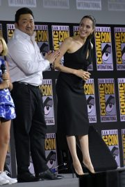 Angelina Jolie arrives for the Marvel panel in Hall H of the Convention Center in San Diego 2019/07/20 6
