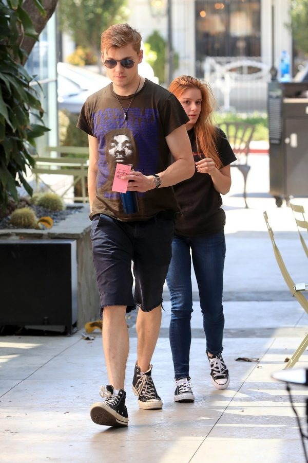 Ariel Winter and Levi Meaden at Nine Zero One Hair Salon in West Hollywood 2019/07/16 3