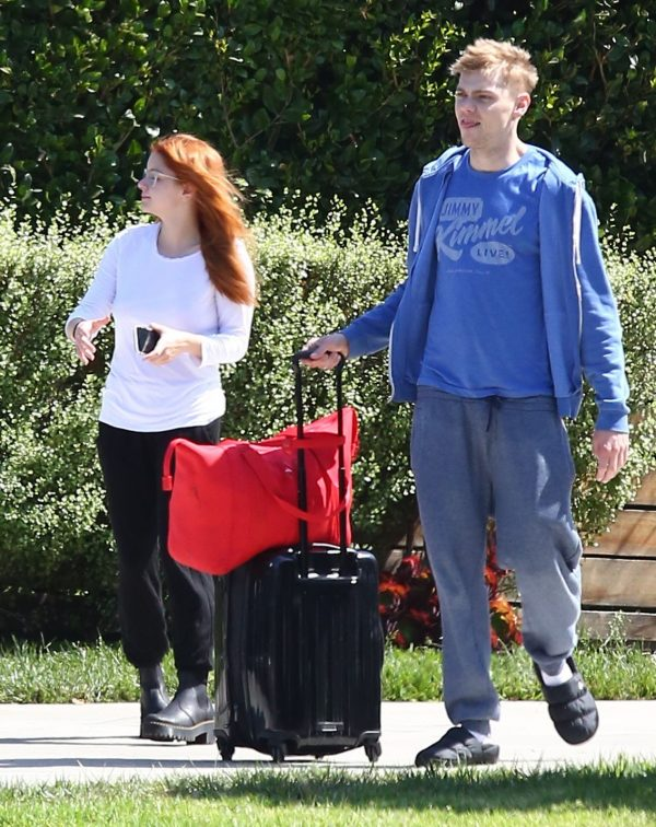 Ariel Winter and Levi Meaden goes to LAX Airport in Los Angeles 2019/07/17 4