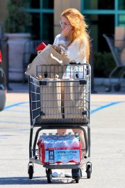 Ariel Winter Shopping Groceries at Gelson's Market in Los Angeles 2019/07/12 6