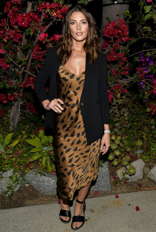 """Ashley Greene attends Cinespia's screening of """"Twilight"""" at the Hollywood Forever Cemetery 2019/07/27 6"""
