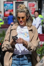 Ashley Roberts Leaves Global Radio After Heart FM Breakfast Show in London 2019/06/27 6
