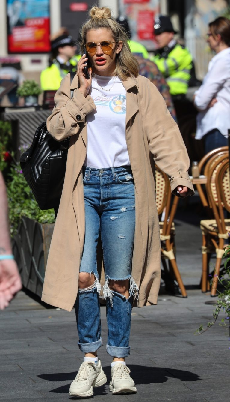 Ashley Roberts Leaves Global Radio After Heart FM Breakfast Show in London 2019/06/27 7
