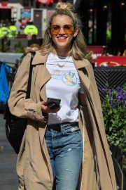 Ashley Roberts Leaves Global Radio After Heart FM Breakfast Show in London 2019/06/27 9