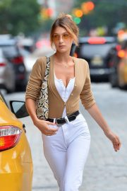 Bella Hadid flashes Cleavage in Beautiful Outfit Out in New York 2019/07/17 5