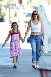 Bethany Joy Lenz with her daughter Shopping Out in Studio City 2019/07/05 1