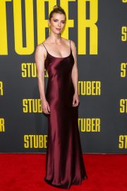 Betty Gilpin arrives Stuber LA Premiere in Los Angeles, California 2019/07/10 4