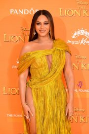 Beyonce attends Disney's The Lion King European Premiere in Leicester Square, London 2019/07/14 6
