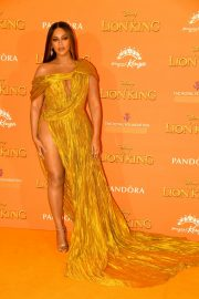 Beyonce attends Disney's The Lion King European Premiere in Leicester Square, London 2019/07/14 29