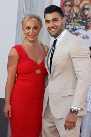 "Britney Spears and Sam Asghari attends Sony Pictures ""Once Upon A Time...In Hollywood"" Premiere in Los Angeles 2019/07/22 2"