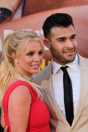 "Britney Spears and Sam Asghari attends Sony Pictures ""Once Upon A Time...In Hollywood"" Premiere in Los Angeles 2019/07/22 4"