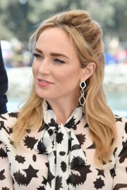 Caity Lotz attends the #IMDboat at Comic-Con in San Diego 2019/07/19 2
