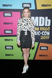 Caity Lotz attends the #IMDboat at Comic-Con in San Diego 2019/07/19 5