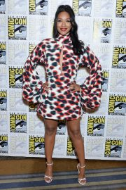 Candice Patton attends Entertainment Weekly Comic-Con Celebration at Hard Rock Hotel San Diego 2019/07/20 21
