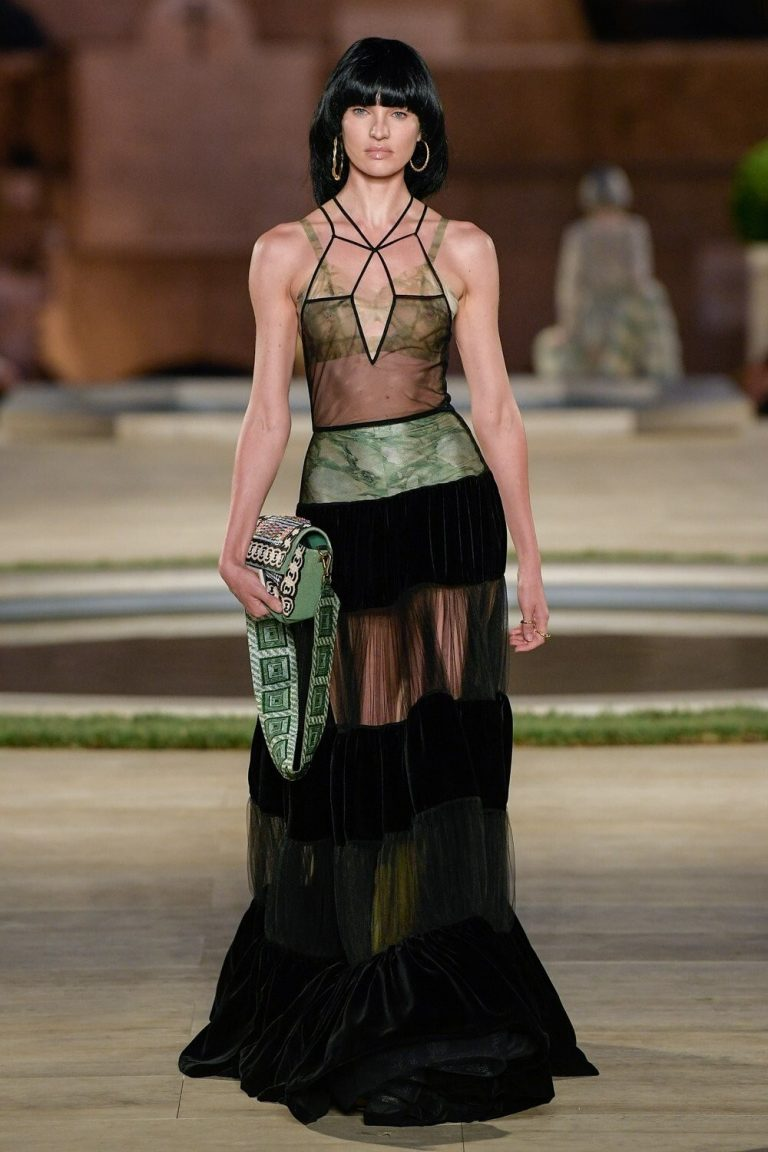 Candice Swanepoel Rampwalk during Fendi Couture FW 19/20 Fashion Show in Rome 2019/07/04 2