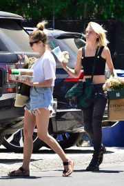 Cara Delevingne and Ashley Benson Out in Los Angeles 2019/07/18 1