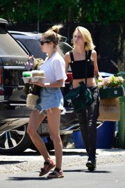 Cara Delevingne and Ashley Benson Out in Los Angeles 2019/07/18 2