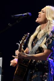 Carrie Underwood performs at the Grand Ole Opry in Nashville 2019/07/19 1